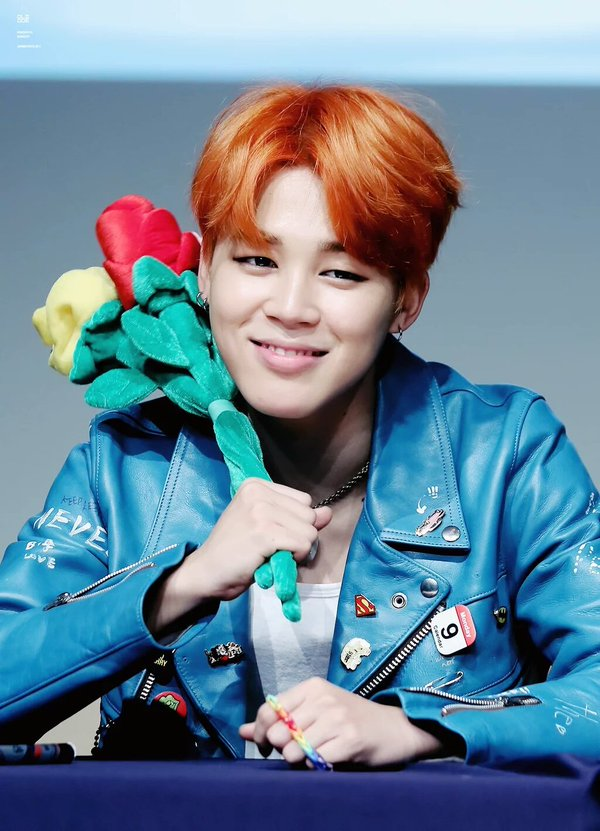Happy birthday to the cutest, kindest and most beautiful person in this entire world ♥#HappyJiminDay https://t.co/jKi4mm5JWf
