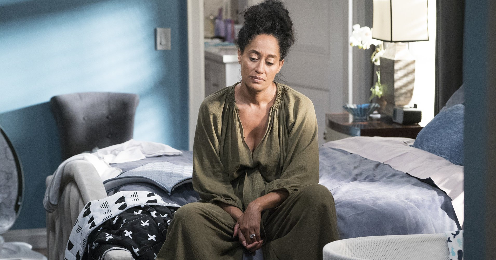 'Black-ish' addressed postpartum depression head-on https://t.co/8oAq3IqjEf https://t.co/DGRujAGjlK