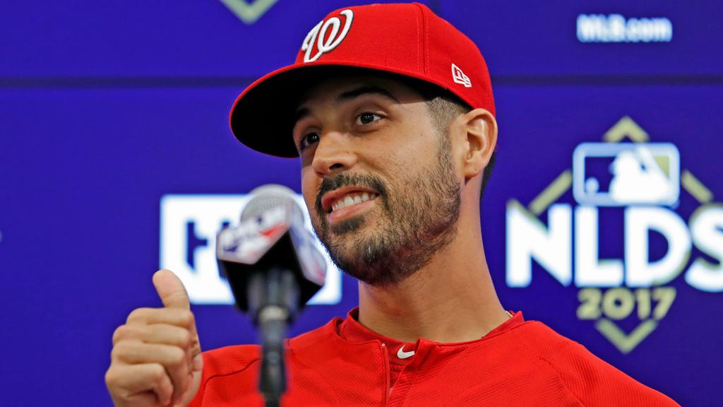 .@Nationals hand the ball to LHP @GioGonzalez47 in pivotal Game 5. https://t.co/OcQIGEXOHe #NLDS https://t.co/WD3FTgcE5M