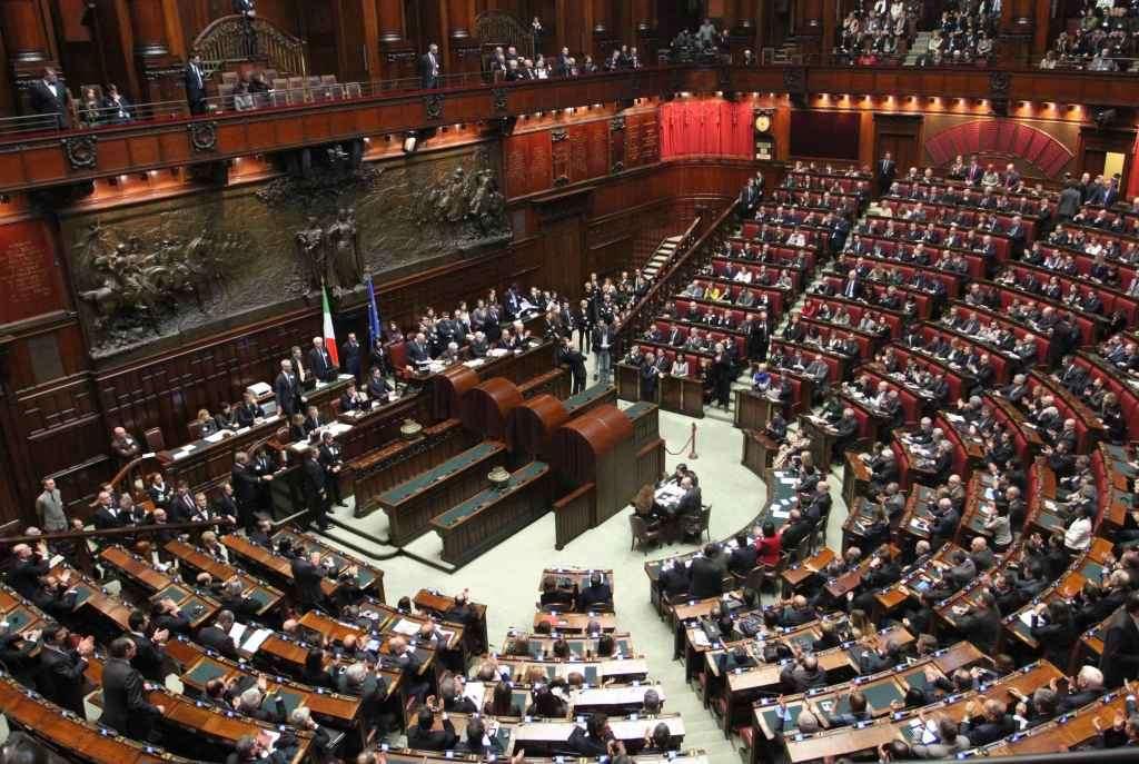RT @TgLa7: ++++ #LeggeElettolare La #Camera approva il #Rosatellum con voto segreto: 375 sì, 215 no +++ https://t.co/0YTsuskver