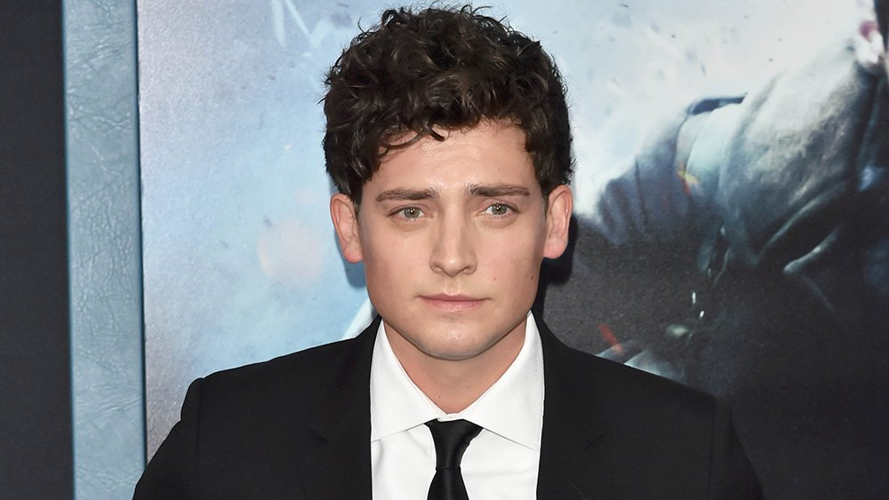 'Dunkirk' actor @aneurinBarnard lands key role in 'Goldfinch' adaptation (EXCLUSIVE) https://t.co/UGRSDoOF4v https://t.co/IgdTmxBj43