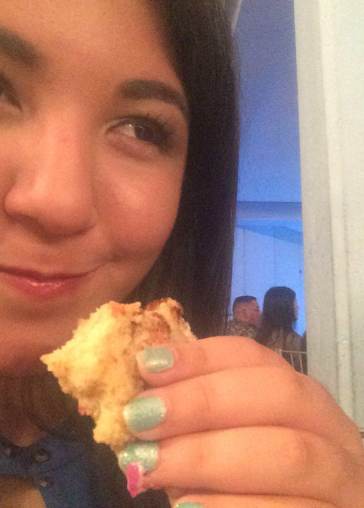 Cuando estás comiendo torta pero no estás mamando webo https://t.co/YHZCqB1OTZ