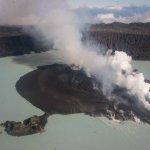 Dunkirk-style evacuation as Vanuatu volcano pollutes drinking water