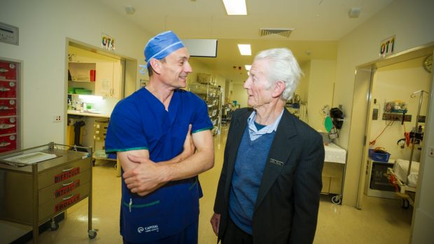 Canberra surgeon carries out first hip surgery in the ACT using a robotic arm