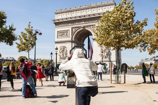 https://t.co/5DORlkwLLz - Les Champs-Elysées vus par des réfugiés soudanais https://t.co/4JL9b4AB1p