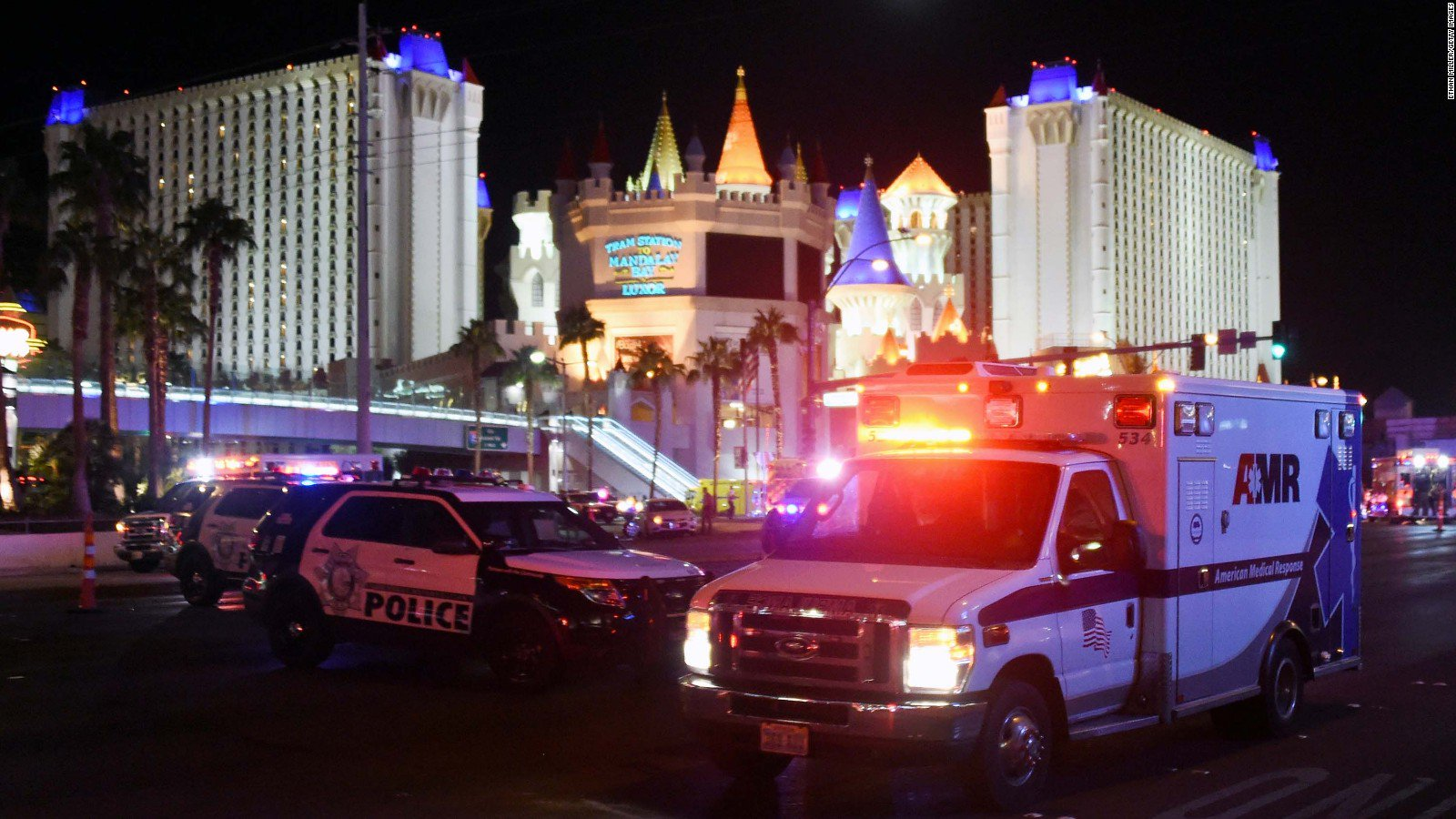 Police say they found more than 10 rifles in the Las Vegas gunman's hotel room https://t.co/5zsObmrOgn https://t.co/aWRyrHVqsb