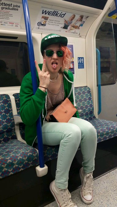 2 pic. Getting that @MyFreeCams swag all over London #mfc https://t.co/zB9aIcmXvK