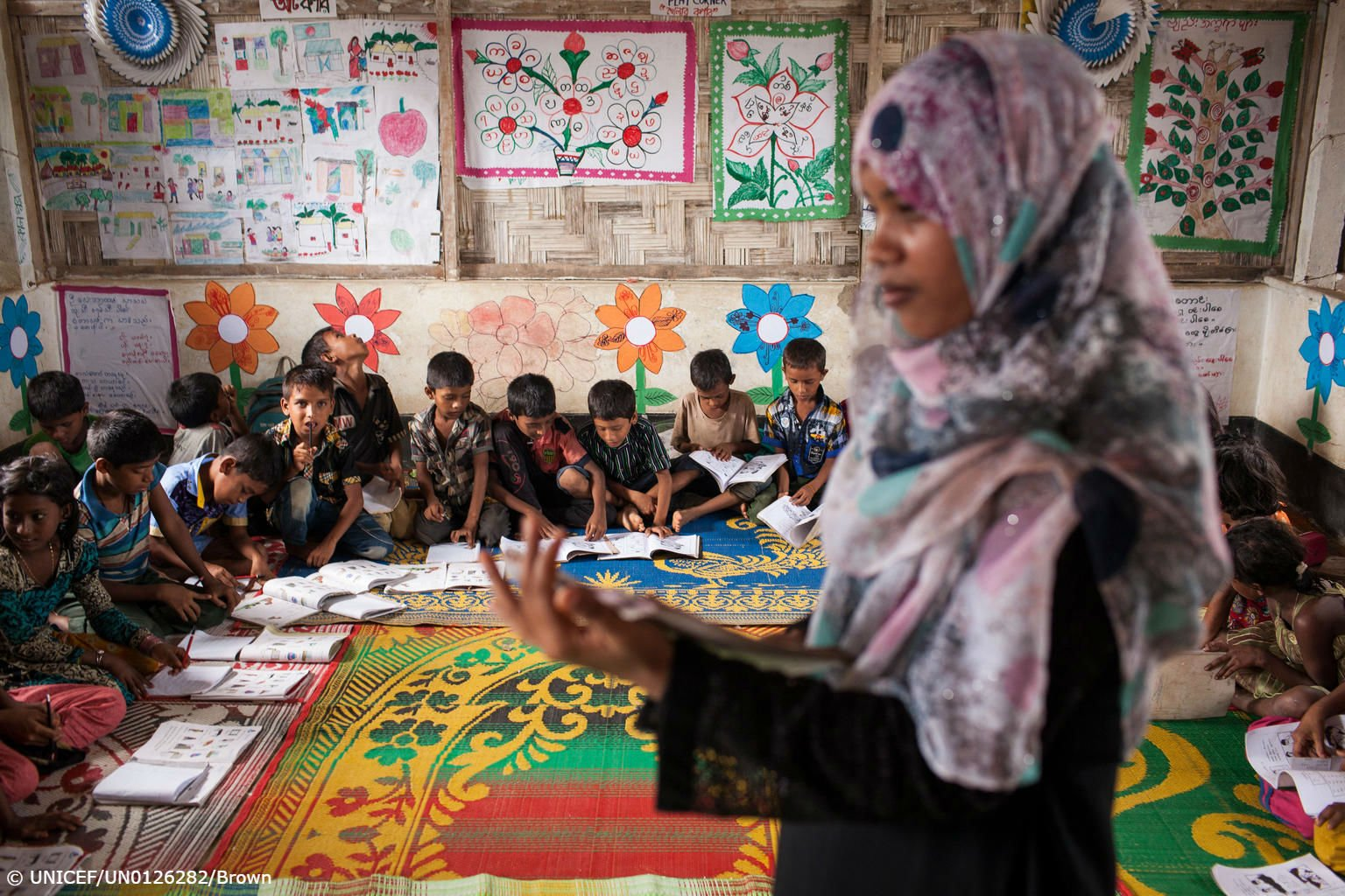 After a long and dangerous journey to #Bangladesh, Rohingya refugee children have a safe place to learn. https://t.co/4MQ8FAsfBm