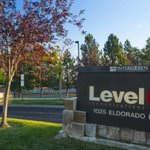 Level 3 Communications warns investors of Canadian firm's offer