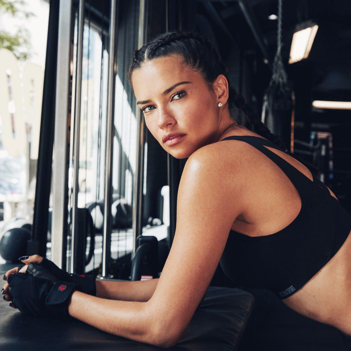 .@AdrianaLima's #TrainLikeAnAngel uniform: the Angel Max Sport Bra, $49.50. https://t.co/oyPQZL3F5N https://t.co/7JrpebFm6G