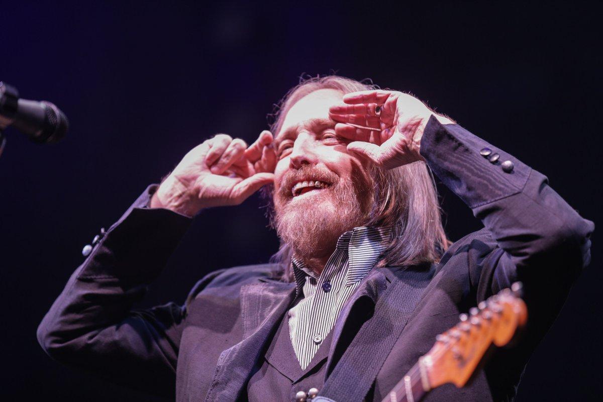 John Mellencamp posts heartfelt tribute to Tom Petty
