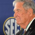 Report: Stent placed in Gene Stallings' heart after serious heart attack, doctors optimistic
