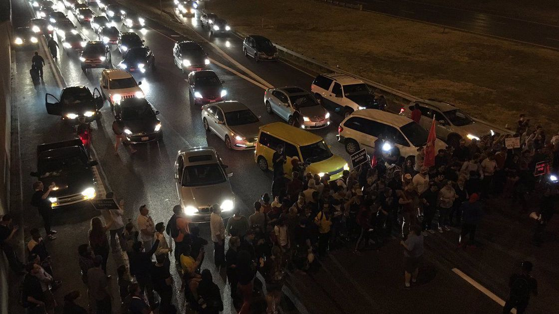 Mass arrests of protesters Tuesday, after they briefly close Highway 40 in St. Louis
