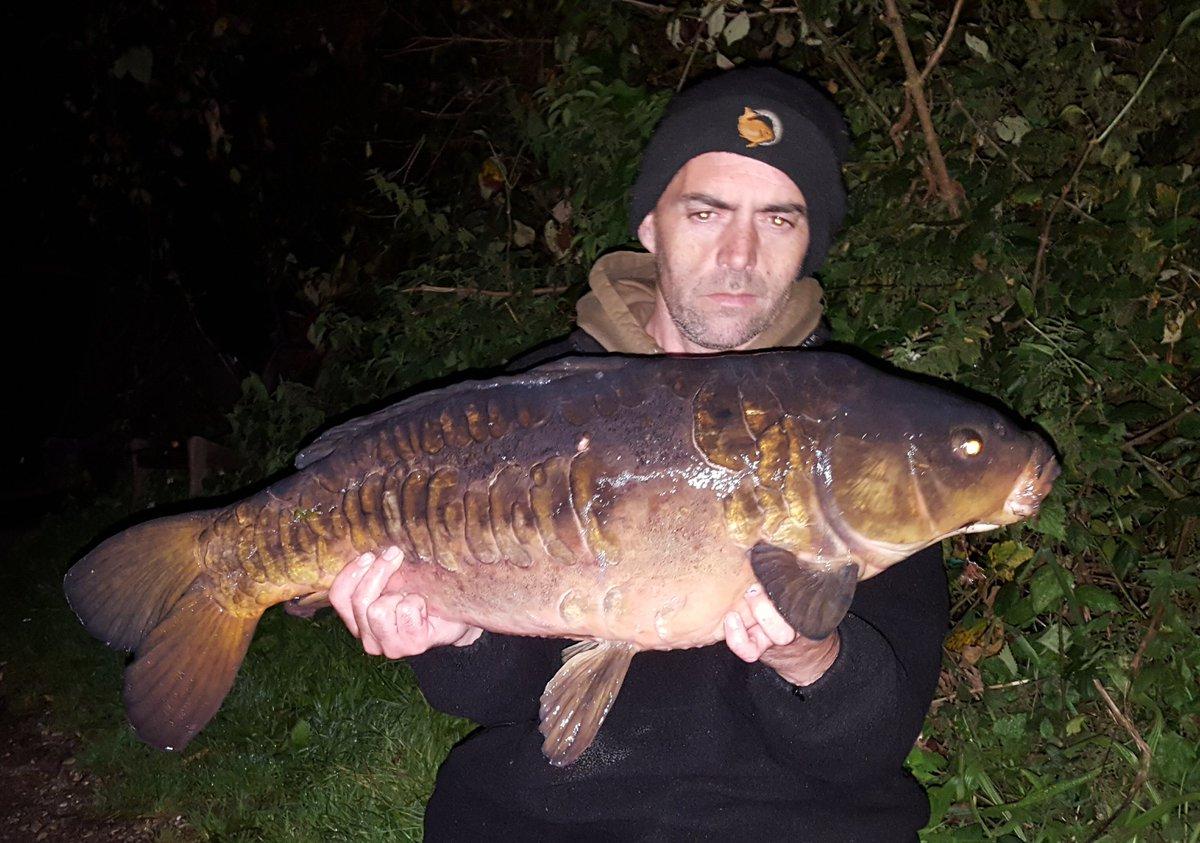 2 canal carp caught over a bed of pokernut https://t.co/7i9ET7m5hR @cherry_carp #carpfishing #bait #
