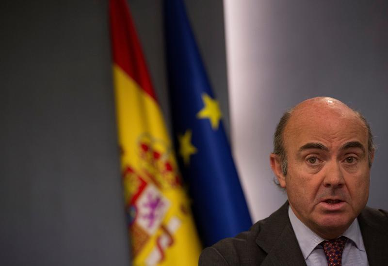 Spain's economy minister says Catalan bank clients, business have nothing to fear