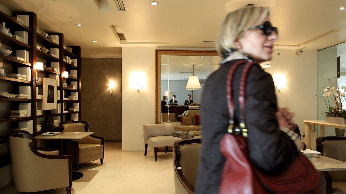 Los Angeles hotel chain to accept Chinese mobile payment options to serve tourism boom