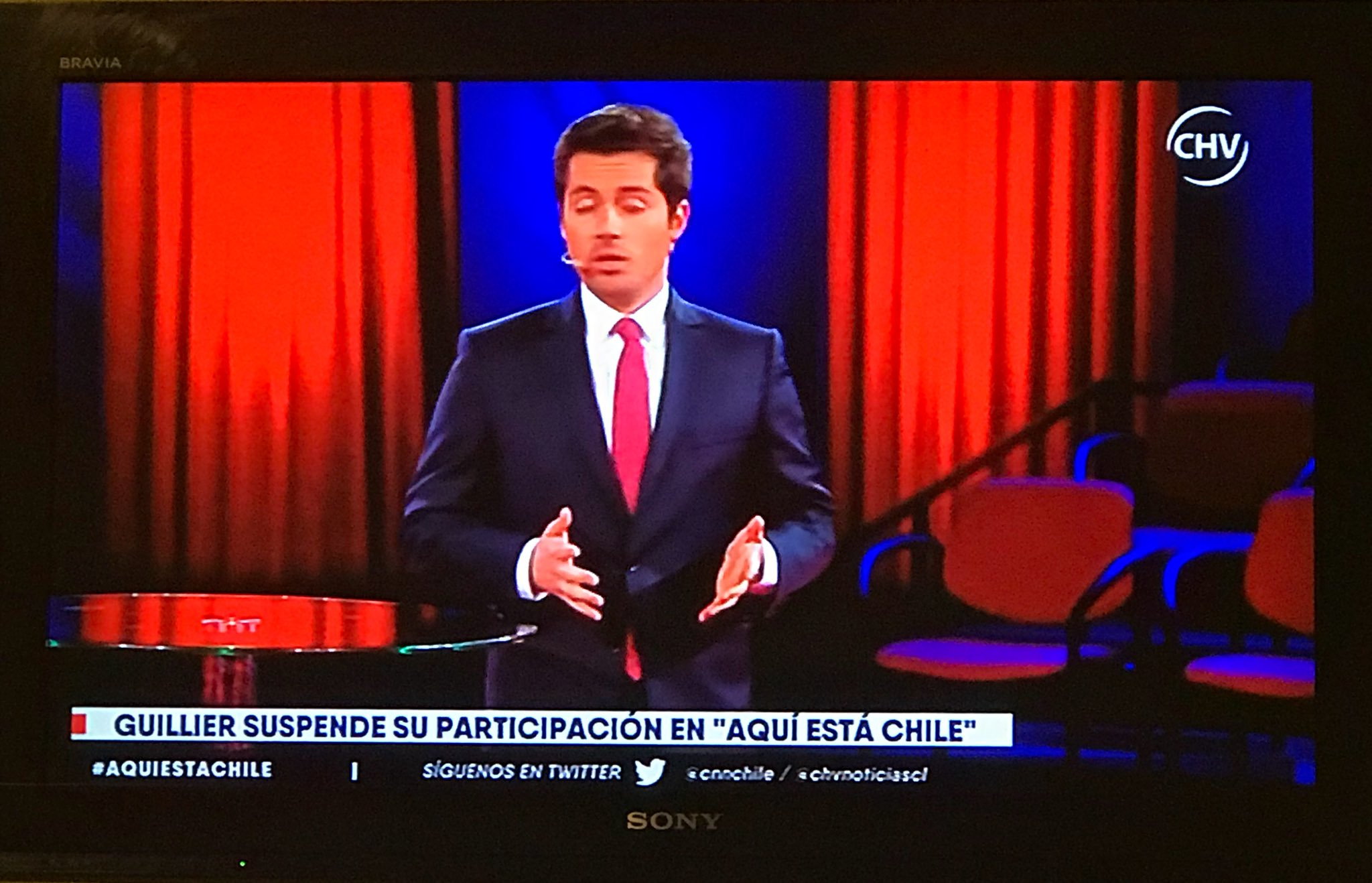 UNA VERGÜENZA GUILLIER #AquíEstáChile https://t.co/WWV2MUKCDZ