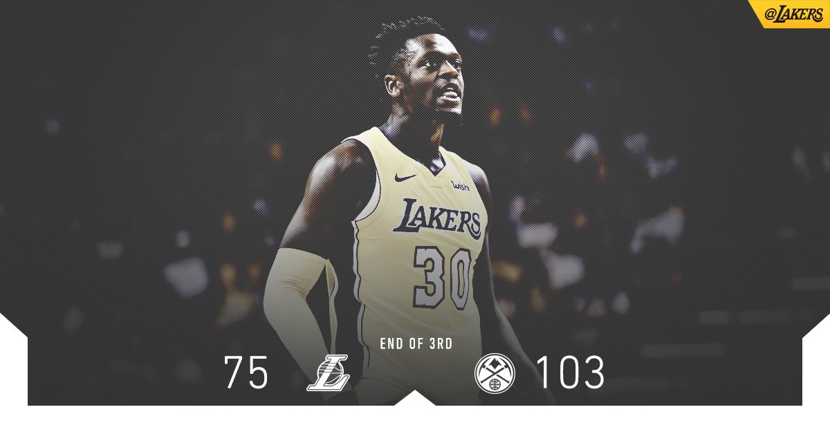 Julius had himself a quarter with two big-time dunks and a couple of rejections. https://t.co/soUHfhfNOE