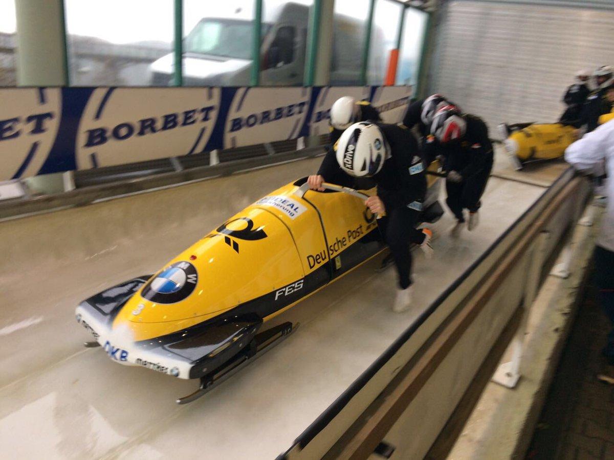 Die Bob-Nationalmannschaft des BSD trainiert noch bis Sonntag in Winterberg #Bobsleigh #Road2PyeongChang #BSDteam https://t.co/GgCDIYprf2