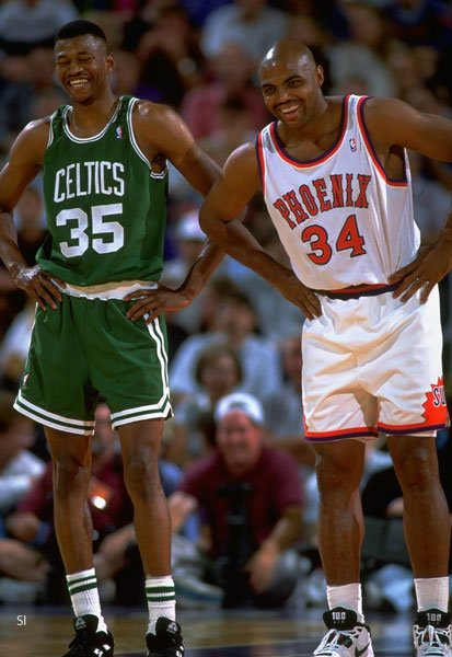 What are Charles Barkley and Reggie Lewis laughing at? #ThursdayThoughts https://t.co/mctENQNKgh