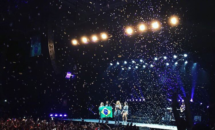 Last night is one we'll never forget. Love you all so much! ���� #PSATourBeloHorizonte https://t.co/d5v9ek6pkd