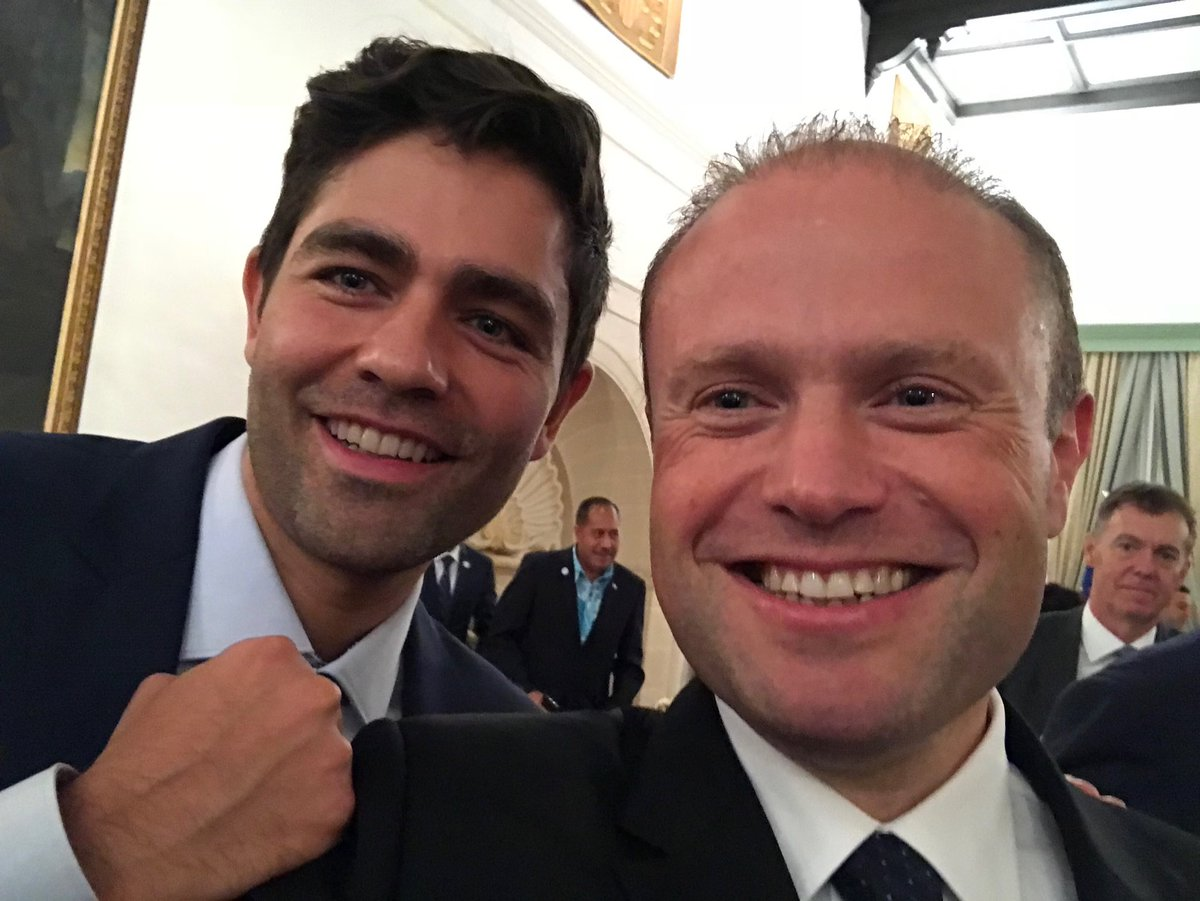 RT @JosephMuscat_JM: Fascinated by @adriangrenier story of the @lonelywhale. Quite a conversation! -JM https://t.co/nNmFIBOrxE