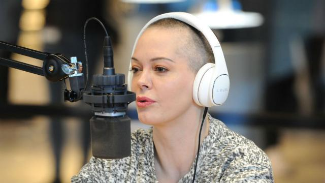 Rose McGowan suspended from Twitter after tweets about Harvey Weinstein, Ben Affleck: https://t.co/wESxtswkBc https://t.co/eQCKF7kntK