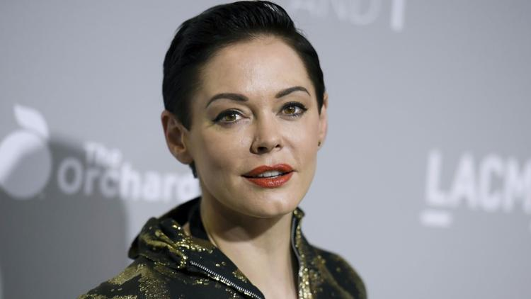 Rose McGowan implores Jeff Bezos to 'stop funding rapists.' Amazon reviewing options for Weinstein projects https://t.co/yEH0Ck2sir