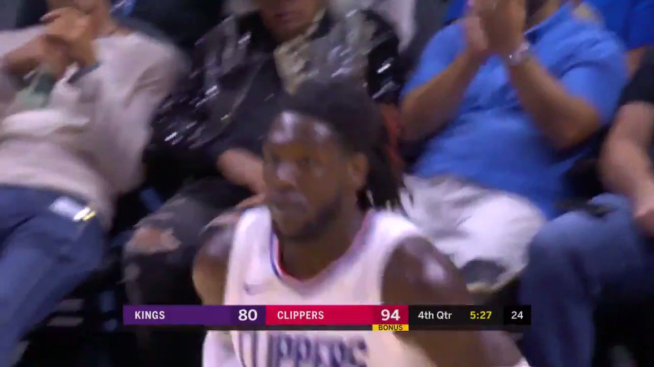 Montrezl Harrell tips it in for the @LAClippers! #NBAPreseason  ��: @NBATV https://t.co/5VUhVCLTPs
