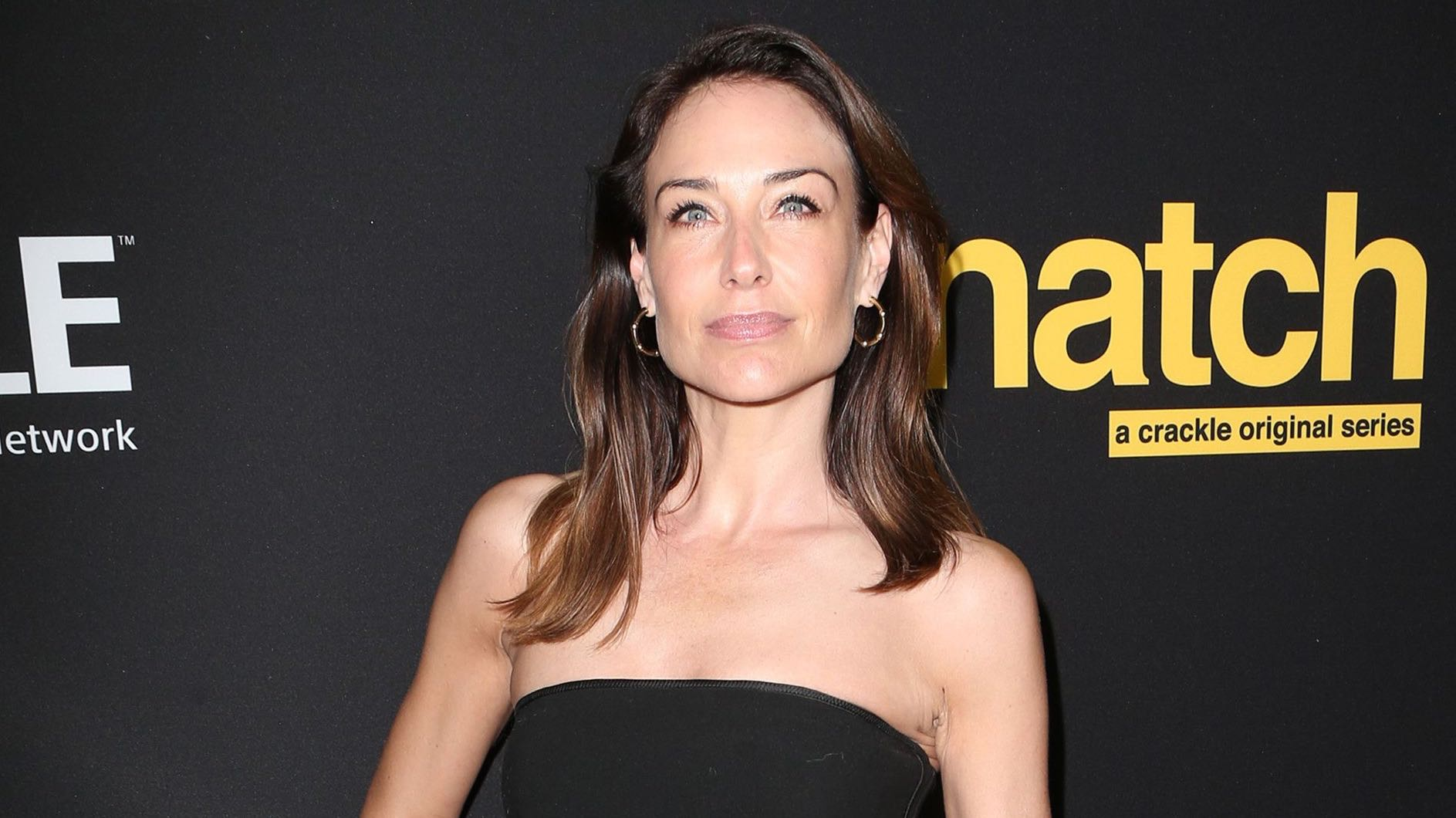 .@ClaireAForlani 'ducked' and 'dived' to escape Harvey Weinstein https://t.co/1yk6wqqSzE https://t.co/kZW8uwt0Xe