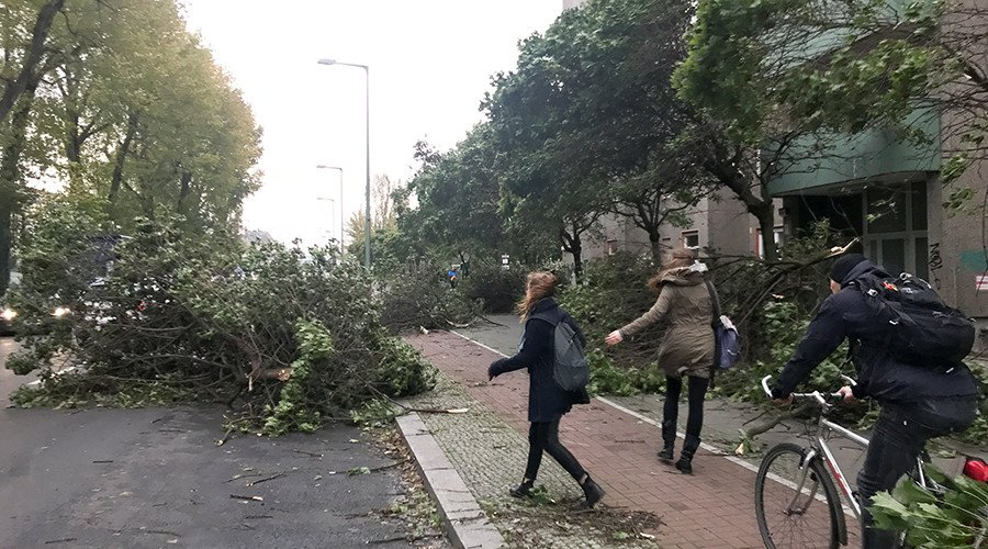 6 people killed by powerful storm in Germany