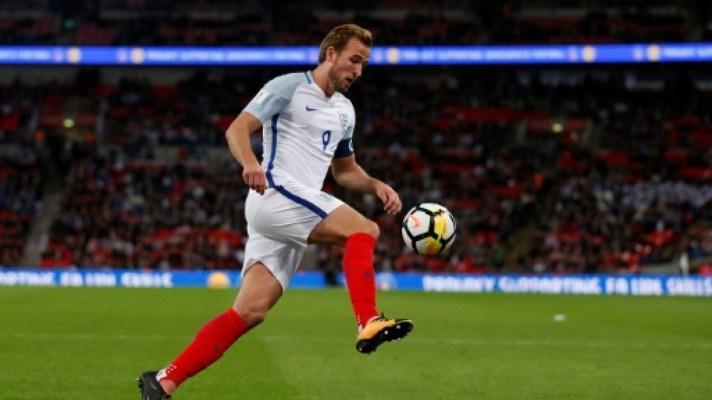Kane sends lacklustre England to World Cup