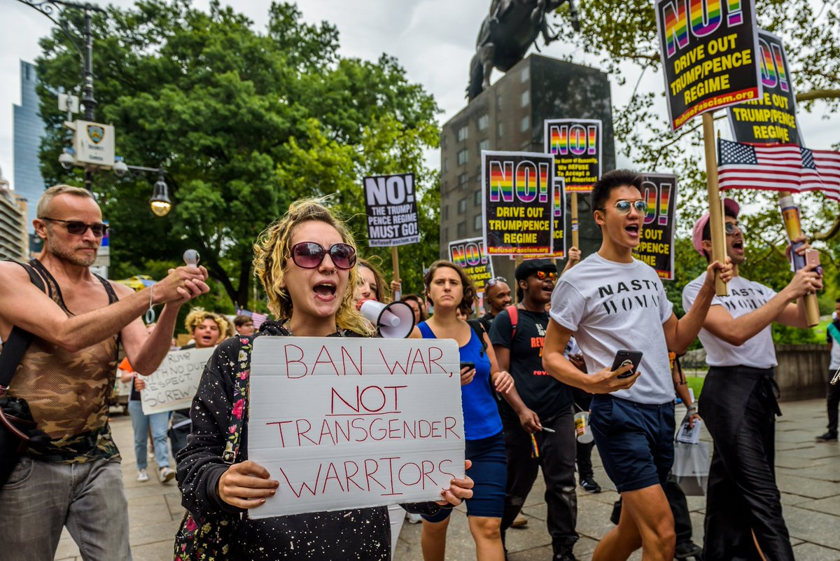 U.S. seeks to quash lawsuit opposing transgender military ban via @NBCOUT