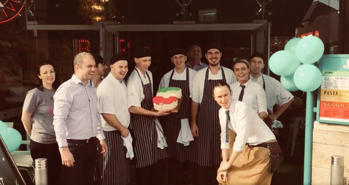 Big Love to my team at @JamiesItalianIE. Celebrating our 5th birthday ???????? x https://t.co/evrUKsD0NF