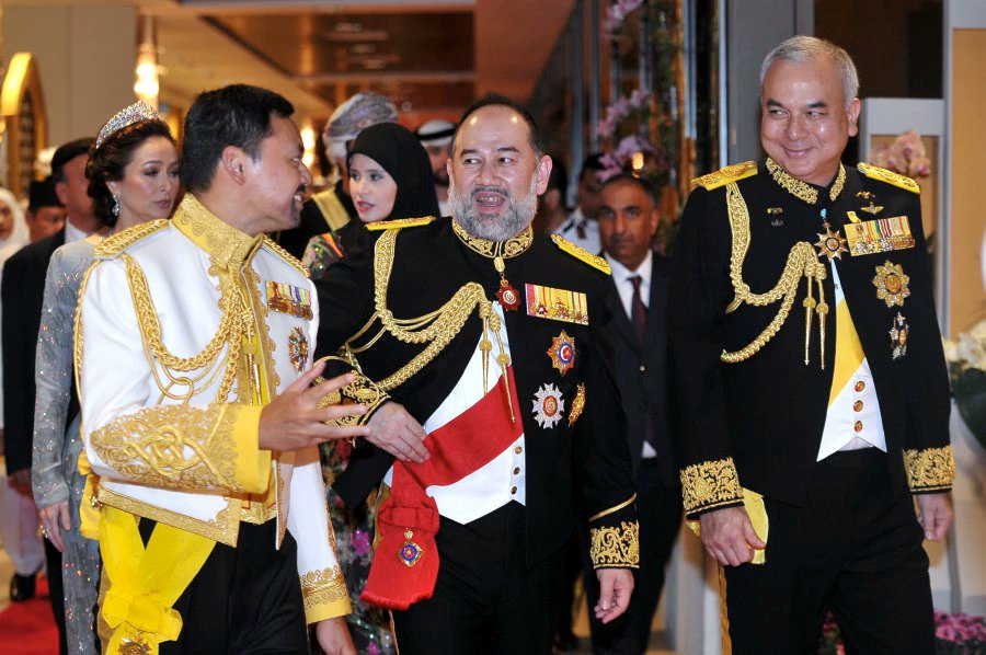 Agong attends Sultan of Brunei's Golden Jubilee royal banquet