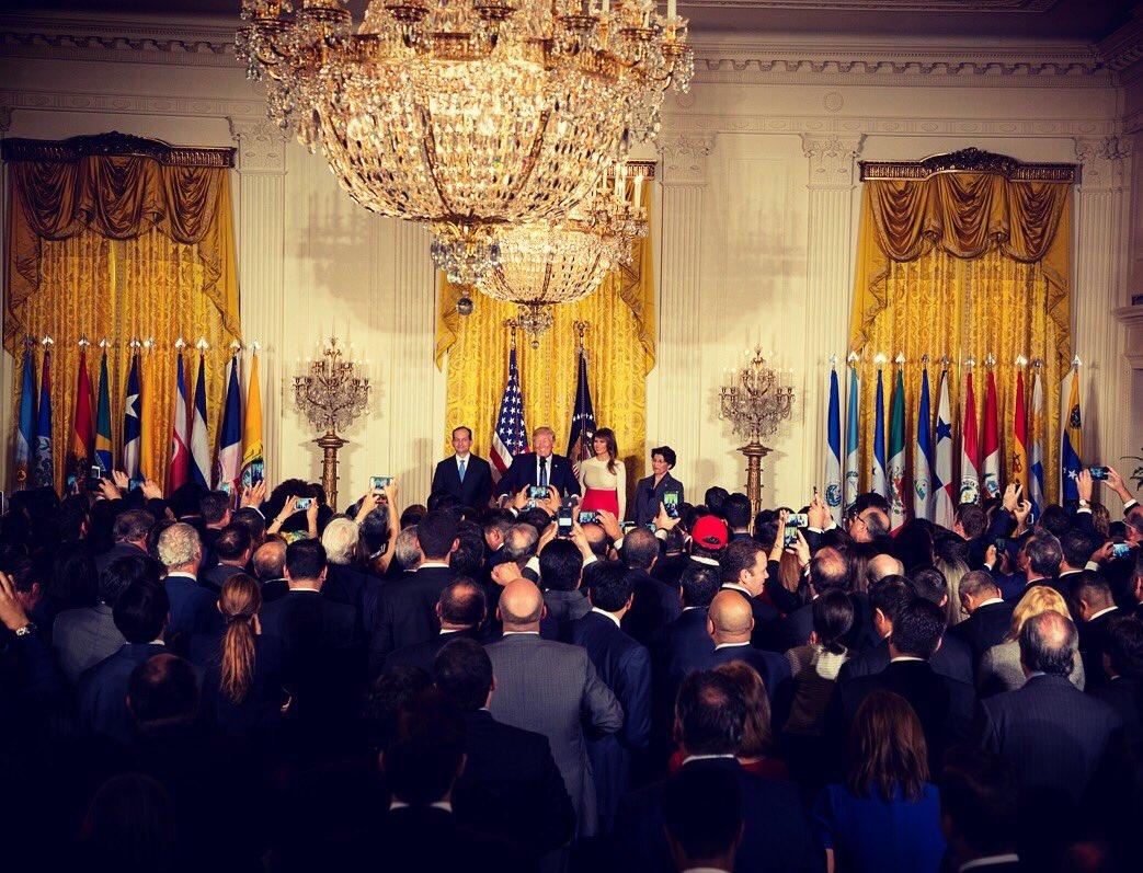 Wonderful celebration of Hispanic Heritage Month @WhiteHouse this afternoon! https://t.co/lGxbglXp3l