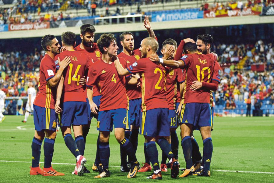 Spain punch World Cup ticket, Serbia made to wait