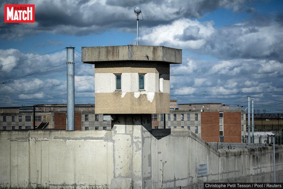 Un cuisinier et 2 détenus de Villepinte, qui dealaient en prison, mis en examen https://t.co/ZP9b5Bd2Vy https://t.co/Mcaeu9JZmO