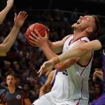 Sydney Kings out-hustled and out-muscled by Adelaide 36ers in NBL opener