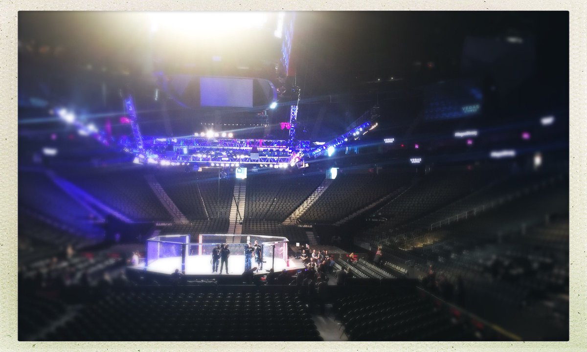 #UFC216 #VegasStrong (at @TMobileArena in Las Vegas, NV, US, NV) https://t.co/G45tiIIdCC