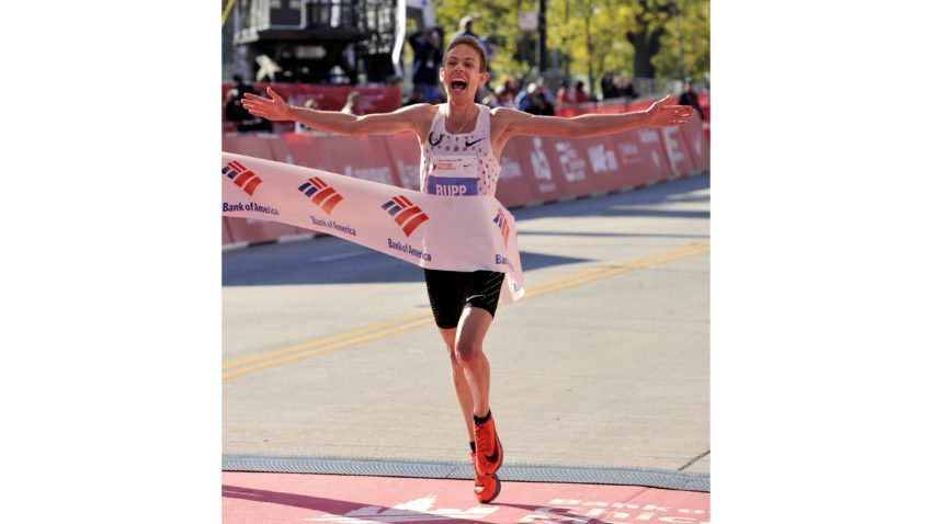Galen Rupp becomes 1st American to win men's Chicago Marathon since 2002
