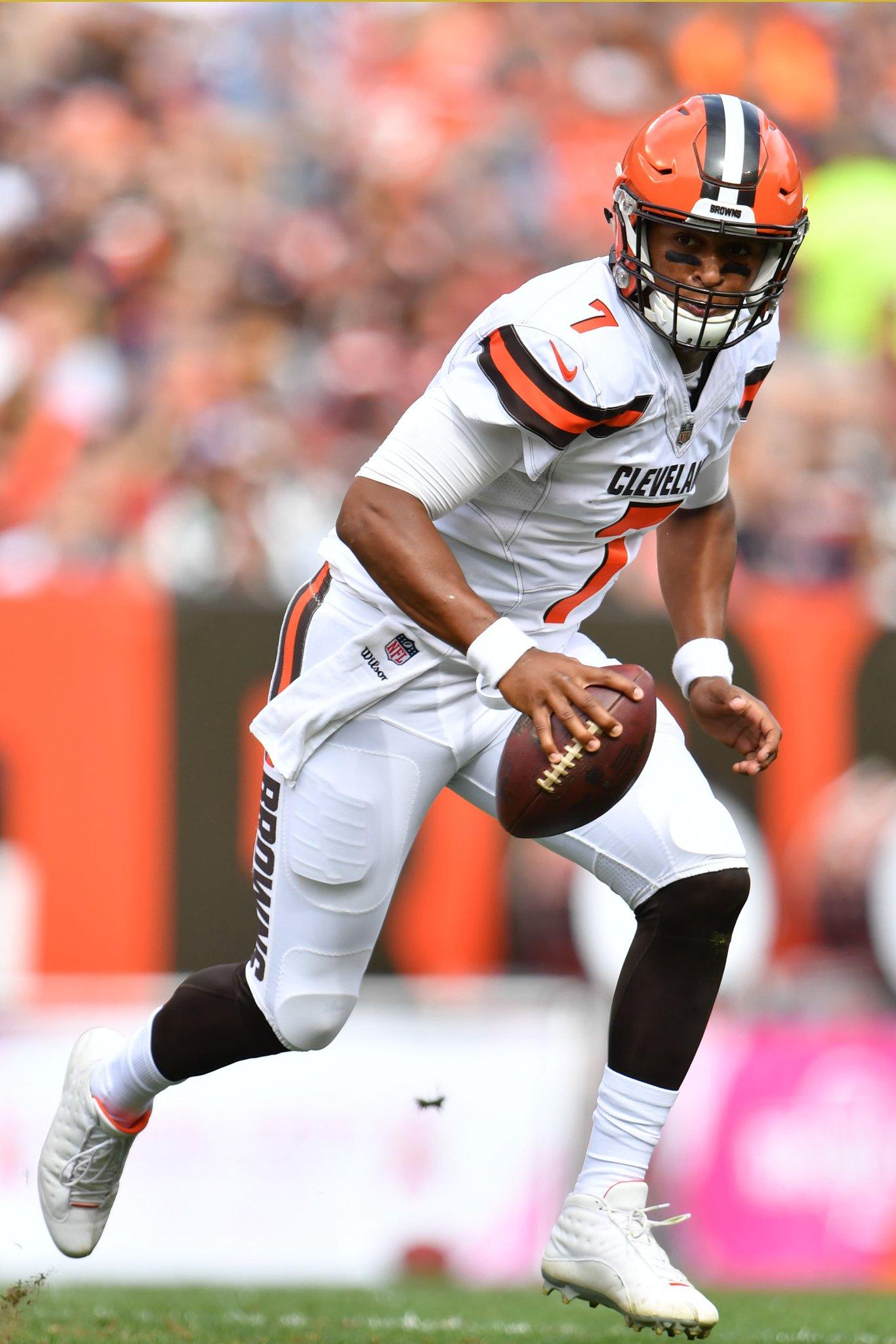 The Browns have benched rookie QB DeShone Kizer https://t.co/MwyuAn9ajM