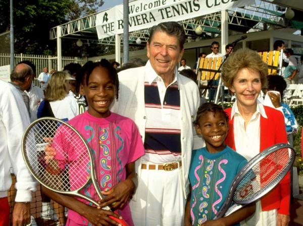 Venus, Ronald, Serena and Nancy in 1990: https://t.co/gTx8WlYfzC