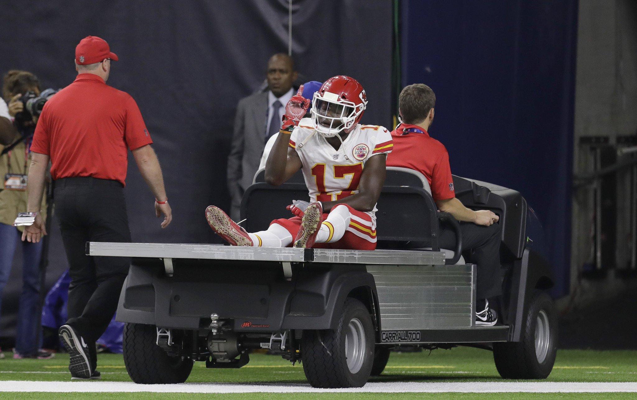 Chiefs WR Chris Conley suffers  ruptured Achilles tendon vs. Texans https://t.co/Wsc0hsPJDp https://t.co/cTgEqBIMpl