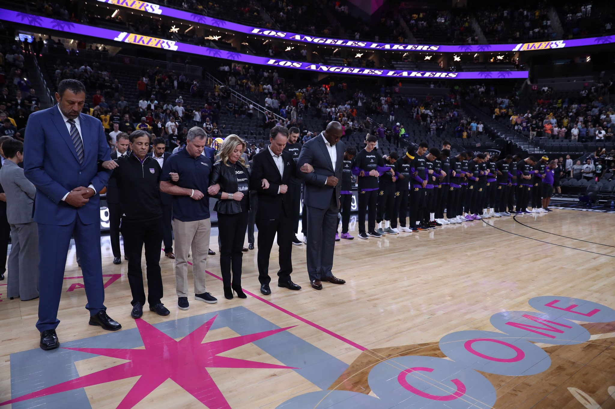 The NBA family stands arm-in-arm with the people of Las Vegas #VegasStrong https://t.co/LicLASeJiW