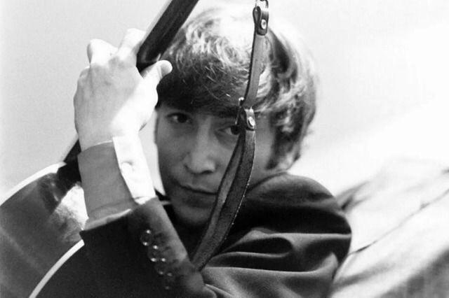 Happy Birthday and Remembering John Lennon 9 October 1940 - 8 December 1980