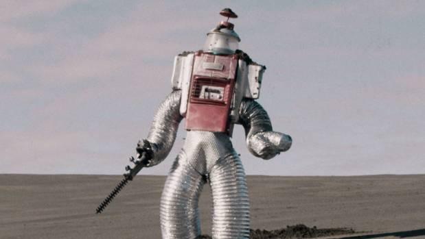 Self-funded sci-fi film wins international awards for artist turned director