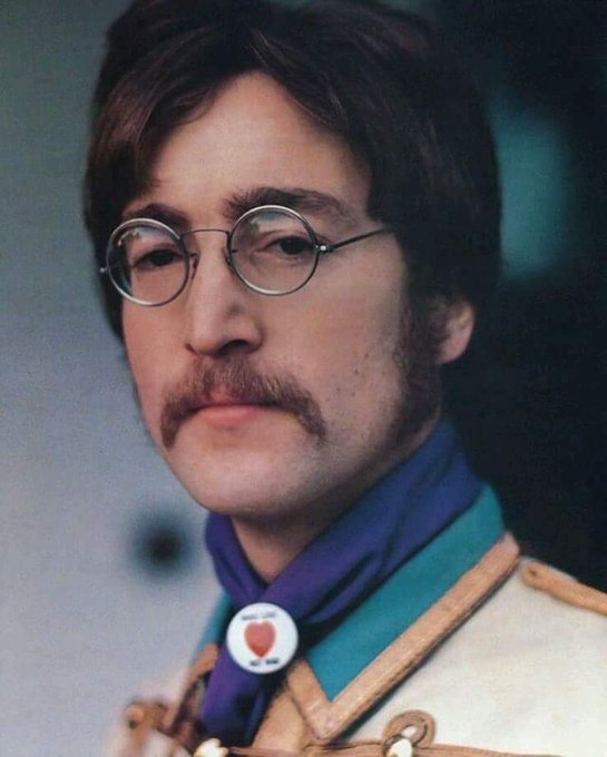 HAPPY BIRTHDAY JOHN LENNON!!!!