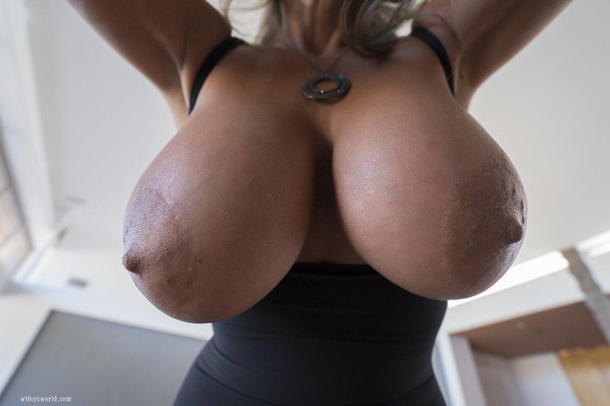 Got Milk? Come get some! 🍼💦😜😋 ozUGsrXB40 0b8itAtlOE