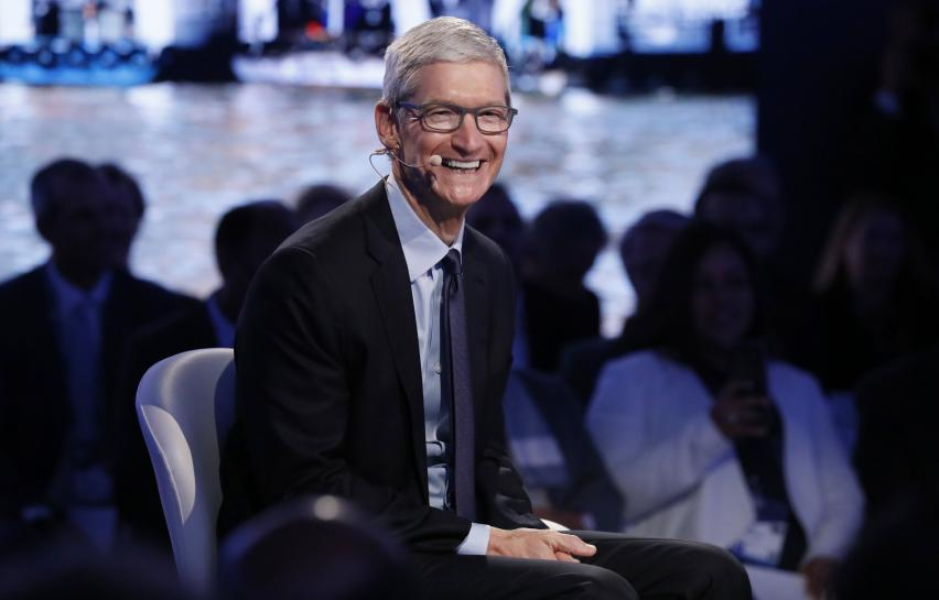 Apple praises French iPhone work before talking tax with Macron